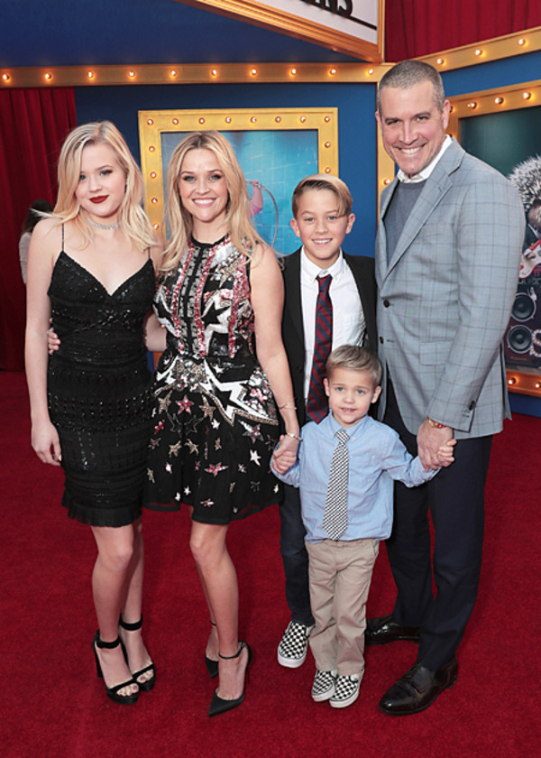 Reese Witherspoon kids Ava, Deacon and Tennessee and her husband Jim Roth