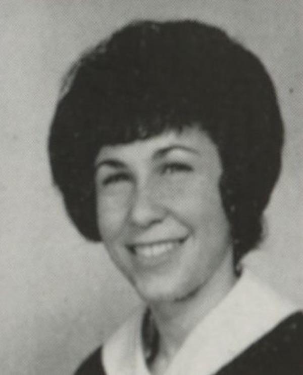 Rhea Perlman young