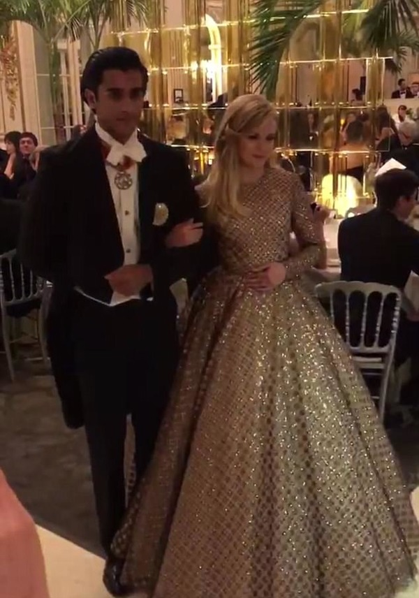 Ava Phillippe dances at the ball of debutants in Paris with Jaipur Padmanabh Singh