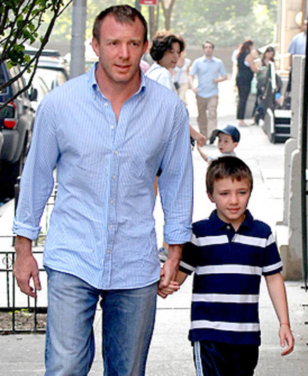 Small Rocco Ritchie with his father Guy Ritchie