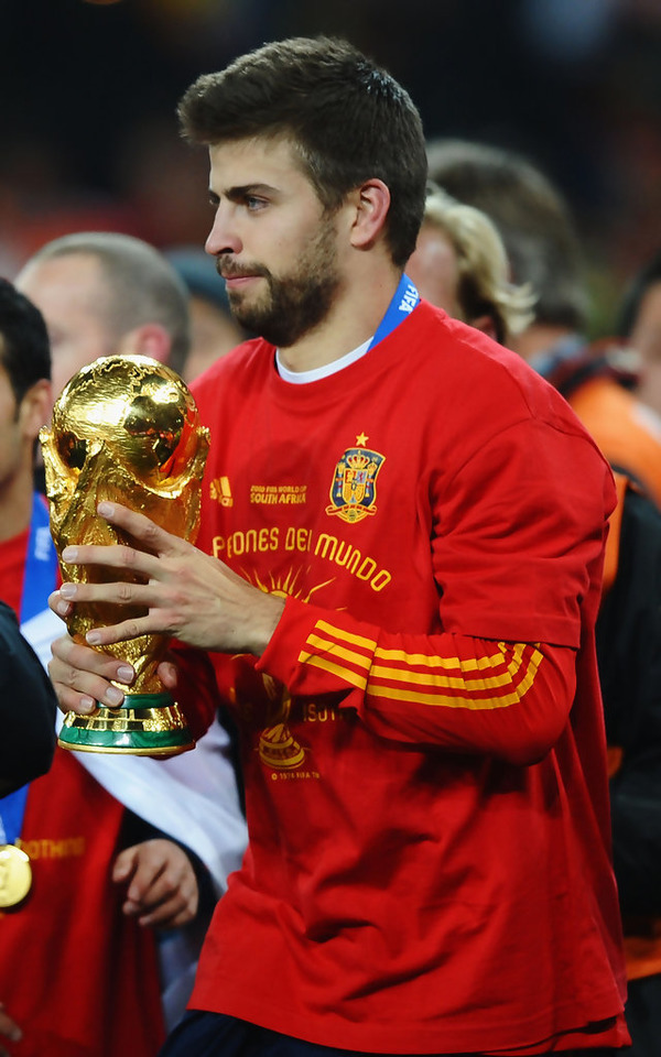 Gerard Piqué with one of his trophies