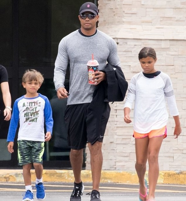 Tiger Woods with his kids after rehab