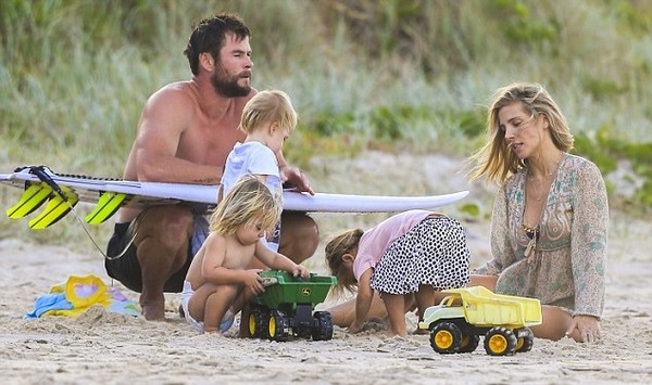 Chris Hemsworth, Elsa Pataky and their kids