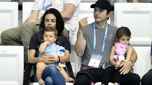 Mila Kunis kids and husband Ashton Kutcher