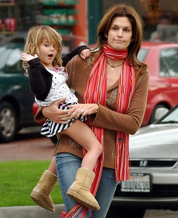 Small Kaia Gerber with her mother Cindy Crawford