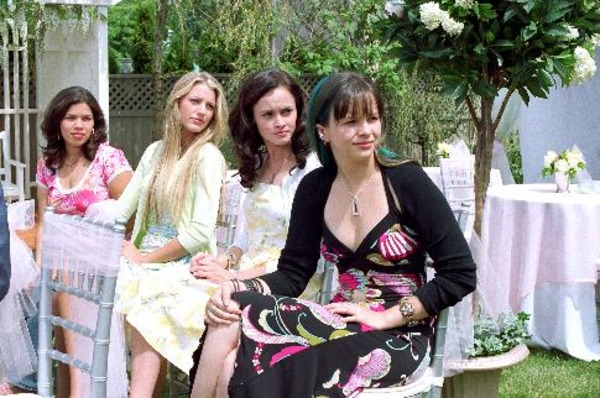 Alexis Bledel, Blake Lively, Amber Tamblyn, and America Ferrera in The Sisterhood of the Traveling Pants