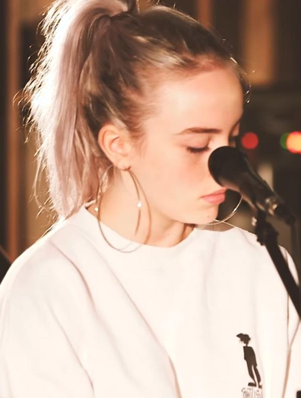 Billie Eilish singing