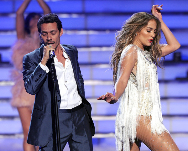 Marc Anthony and Jennifer Lopez performance two months before their split