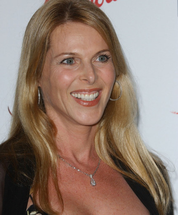 How rich is Catherine Oxenberg?