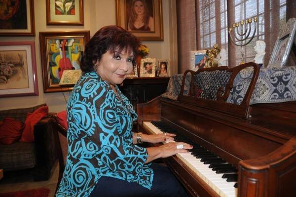 Sonia Manzano biography facts
