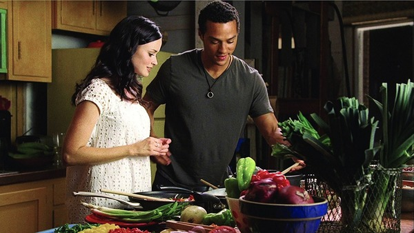 Alexis Bledel and Jesse Williams in The Sisterhood of the Traveling Pants 2