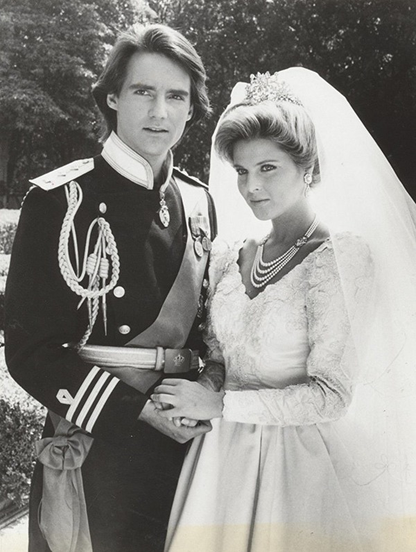 Catherine Oxenberg and Michael Praed in Dynasty
