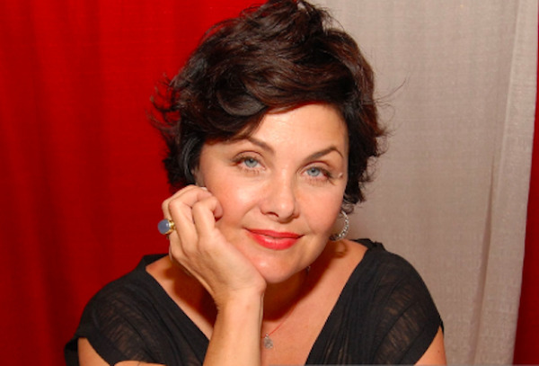 How rich is Sherilyn Fenn?