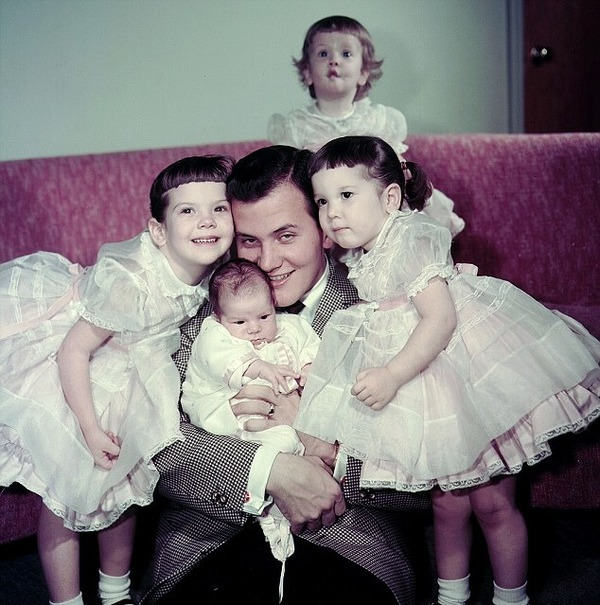 Pat Boone with his daughters