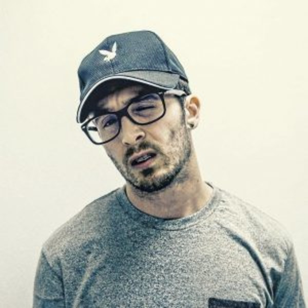 How rich is Chris Webby?