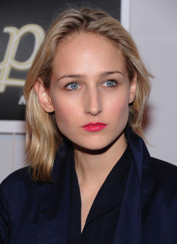 How rich is Leelee Sobiesky?