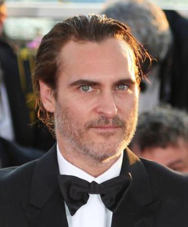 How rich is Joaquin Phoenix?