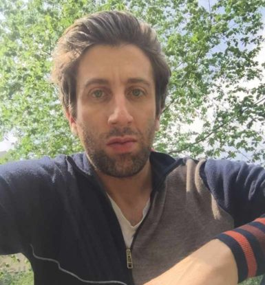 Simon Helberg biography
