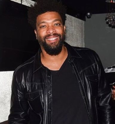 Deray Davis biography
